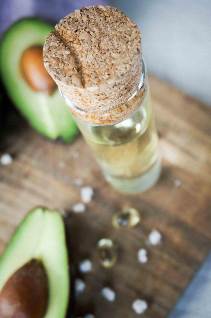 Домашний пилинг для чувствительной кожи с авокадо.