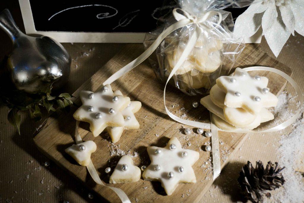 Новогоднее миндальное печенье: вкусный и красивый подарок за 30 минут! Простой рецепт.