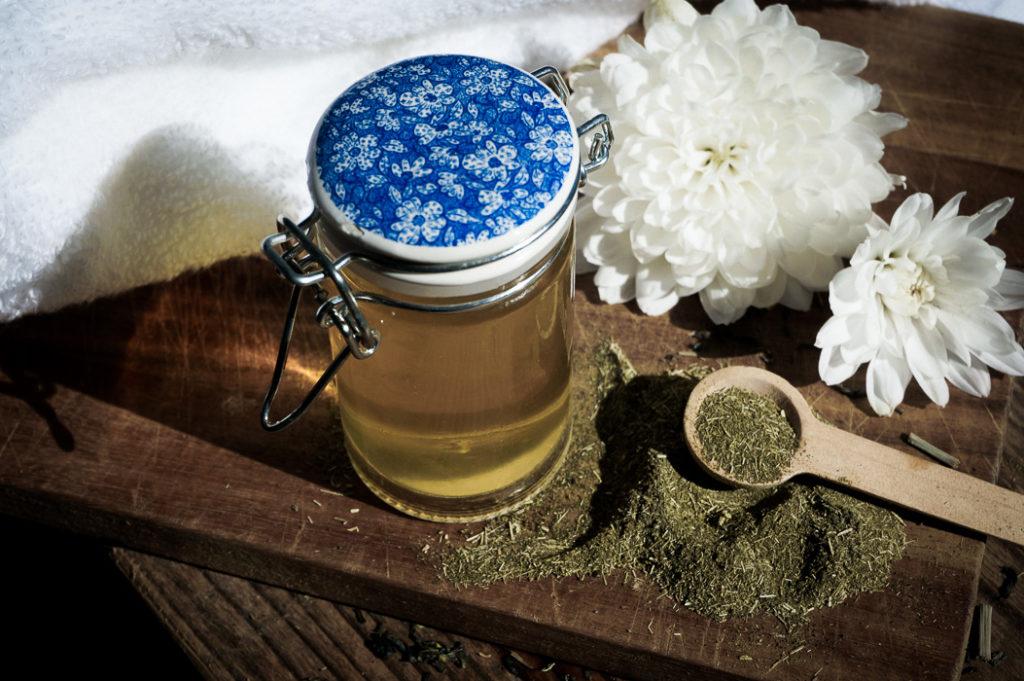 Домашний ополаскиватель для волос с зеленым чаем