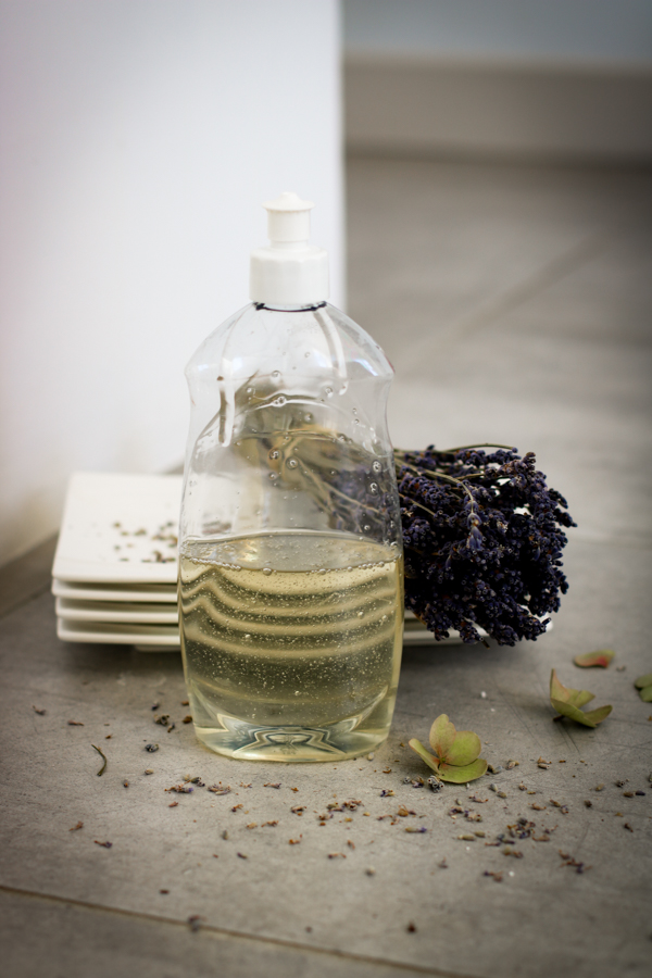 Бытовая химия своими руками: жидкость для мытья посуды
