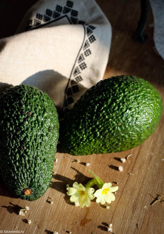 масляная смесь для умывания с маслом авокадо и примулы